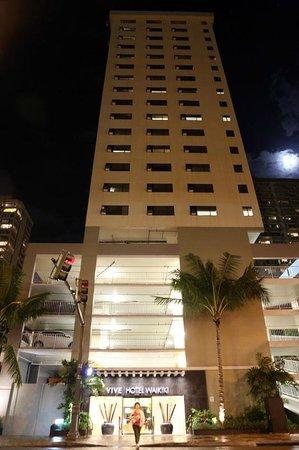 Vive Hotel Waikiki : at night2