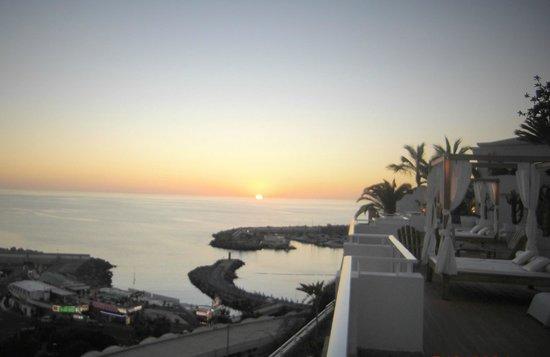 Marina Bayview: Utsikt fra terassen.Solnedgang i februar.