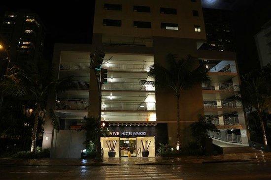 Vive Hotel Waikiki : street view