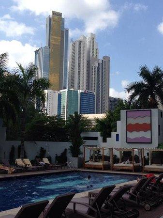 Hotel Riu Plaza Panama: pool area
