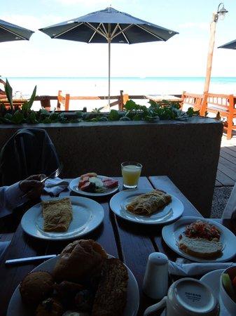 Mia Reef Isla Mujeres: Breakfast open-air - Avalon Reef Club