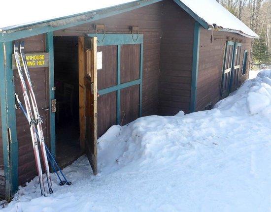 Garnet Hill Lodge and Ski Resort: Sugarhouse warming hut