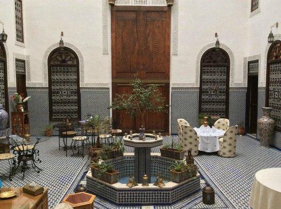 Riad Kettani: Beautiful living area