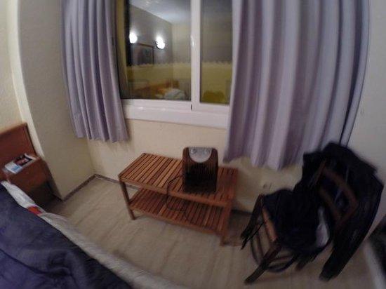 Apartamentos AR Borodin: un radiateur !