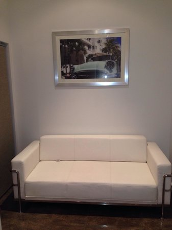 The Fritz Hotel : Sofa bed!