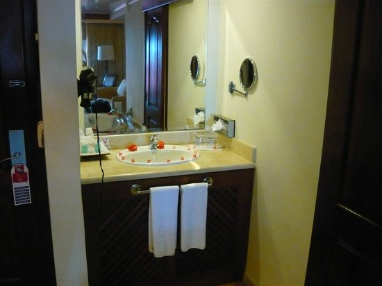 Grand Palladium Palace Resort Spa & Casino: salle de bain loft
