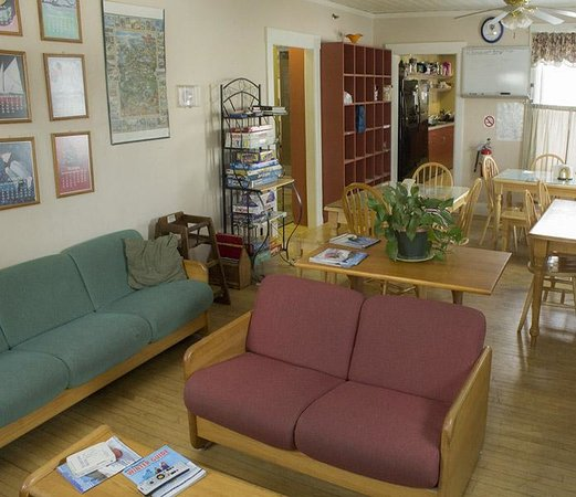 White Mountains Hostel: Common Room