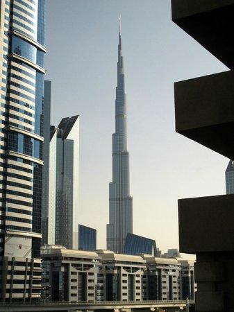 Al Salam Hotel Suites : View from livingroom in (3th floor unit)