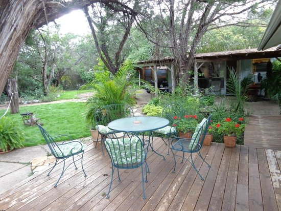 Casa del Sol Bed and Breakfast at Lake Travis: Beautiful grounds!