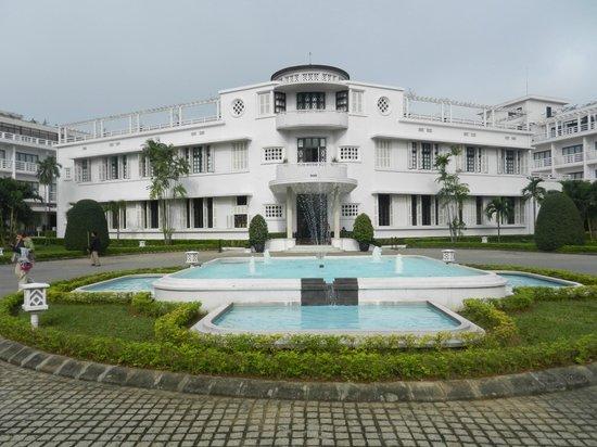 La Residence Hue Hotel & Spa: hotel exterior