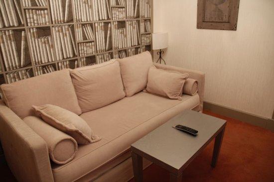 Hotel Residence Foch : salon de la suite