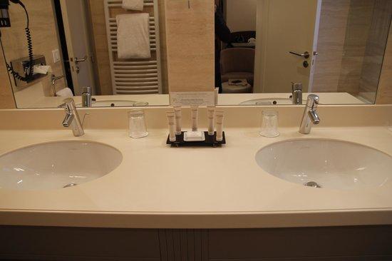 Hotel Residence Foch : salle de bain