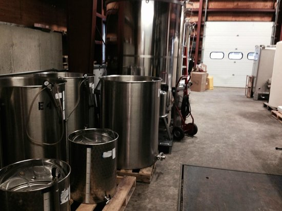Jewell Towne Vineyards: Basement with tanks