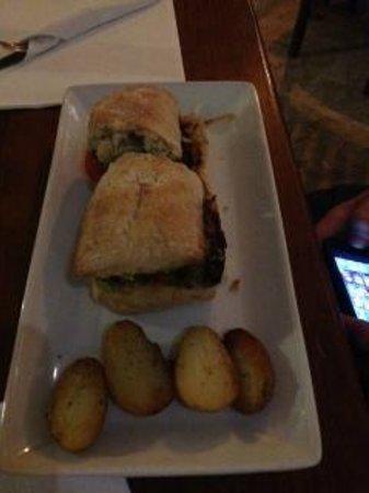 A sandwich at Sobremesa