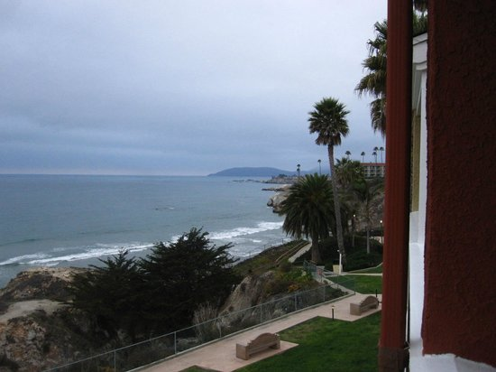 SeaCrest OceanFront Hotel: Terrace View - right