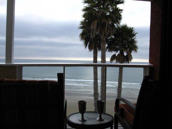 SeaCrest OceanFront Hotel: Terrace