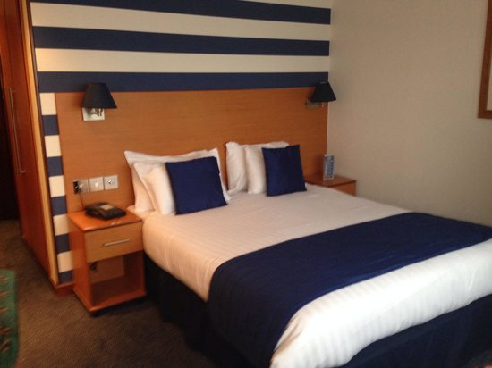 The Liner Hotel: Lovely spacious room.
