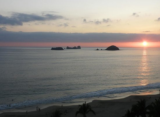 Emporio Ixtapa: sunset from our room