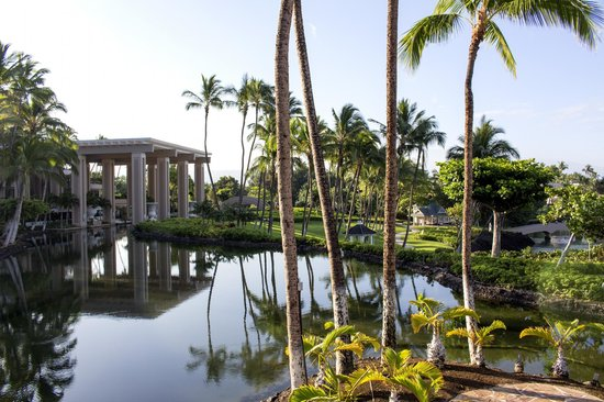 Hilton Waikoloa Village: View of the Palace Tower and Grounds