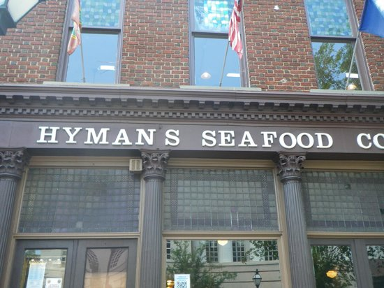 Hyman's Seafood : The place