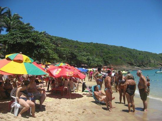 Joao Fernandes Beach: praia lotada
