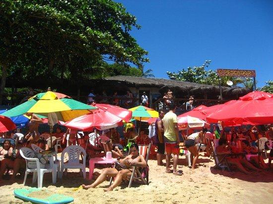 Joao Fernandes Beach: caos causado pelo bar O Pescador