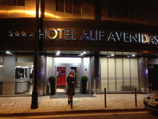 Hotel Alif Avenidas: En la puerta