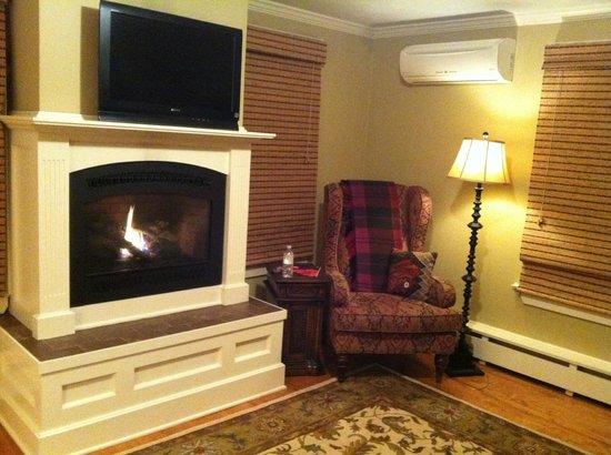 Dorset Inn: Living Room