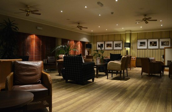 Eight Acres Hotel & Leisure Club : Lounge area