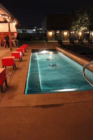 NYLO Irving / Las Colinas : Heated pool