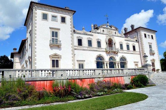 Vizcaya Museum and Gardens: Back of Vizcaya