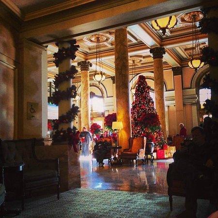 Willard InterContinental Washington: Lobby during the holidays