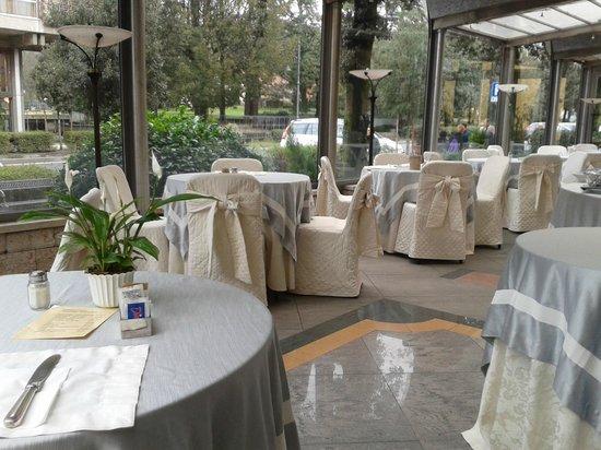 Grand Hotel Tettuccio : La veranda per la colazione
