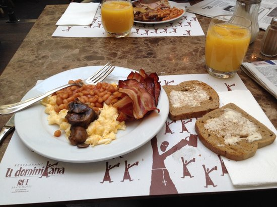 Savic Hotel: Breakfast at savic