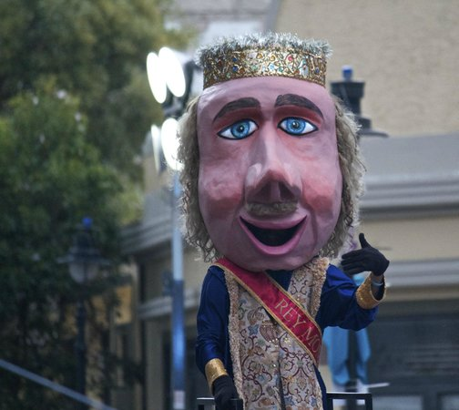 Hotel Belgica: The puppet King