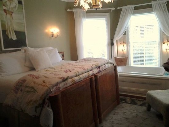 Bayfront Westcott House Bed & Breakfast : Caroline room
