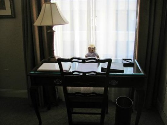 The Saint Paul Hotel: Did not know what the bear was? or cost? nice desk.