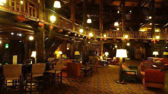 Fairmont Le Chateau Montebello: Le Lobby