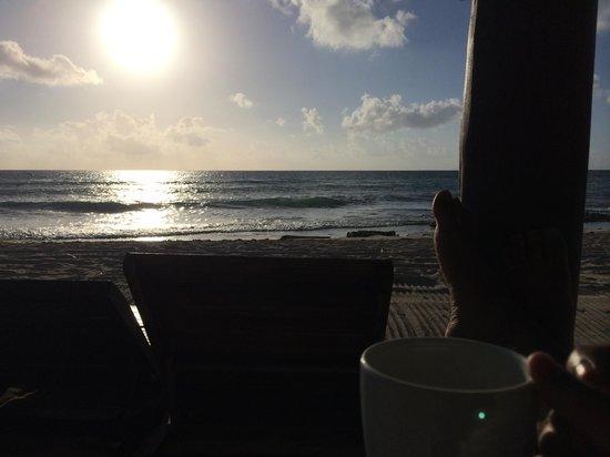 Le Reve Hotel & Spa: is there a better view to enjoy your morning coffee?