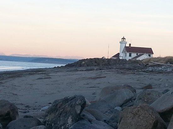 Huber's Inn Port Townsend : Point Wilson Lighthouse.