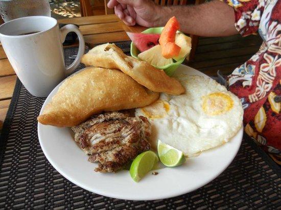 Laru Beya Resort & Villas: Breakfast at Laru Beya
