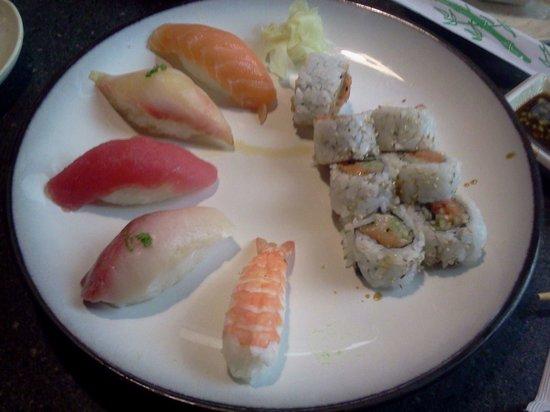 Ninja Japanese Steakhouse: Fantastic Sushi and Nigiri!
