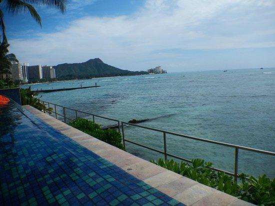 Sheraton Waikiki: View from the outdoor infinity pool