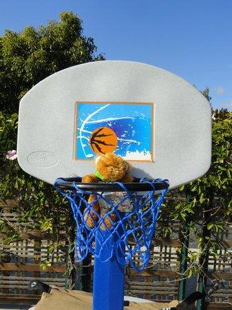 MarBrisa Carlsbad Resort: Basketball