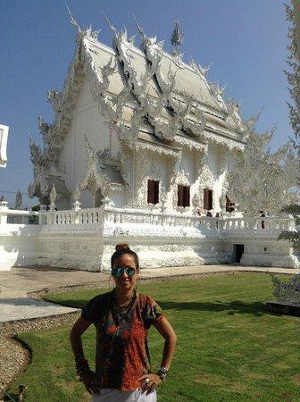 Wat Rong Khun : Vista Lateral