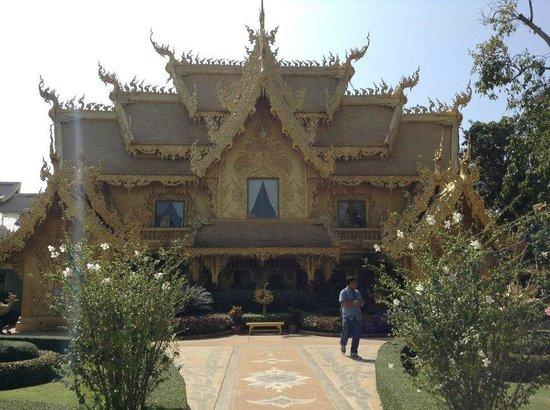 Wat Rong Khun : Edificios laterales