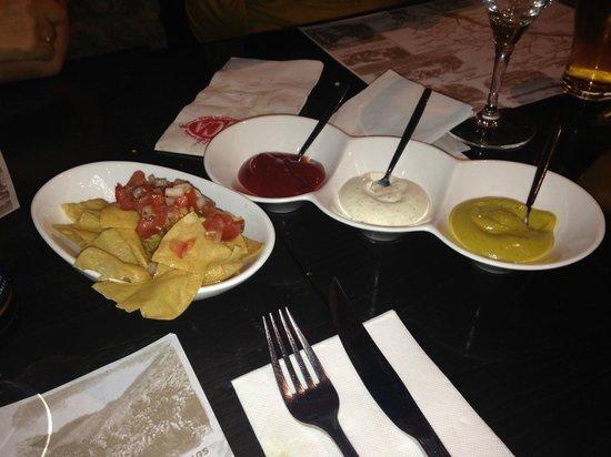 "SoCA Restaurant & Bar: Entrante a lo "" Nacho """