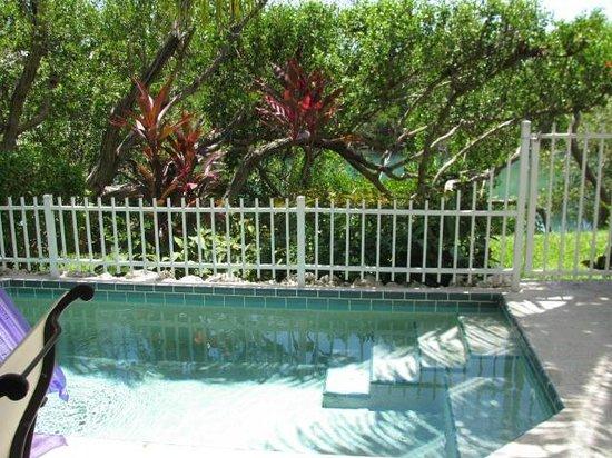 Hawks Cay Resort: Private veranda/pool