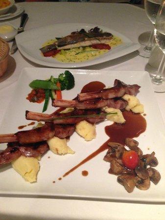 Bistrot Caraibes: Lamb and Mahi Mahi dinners