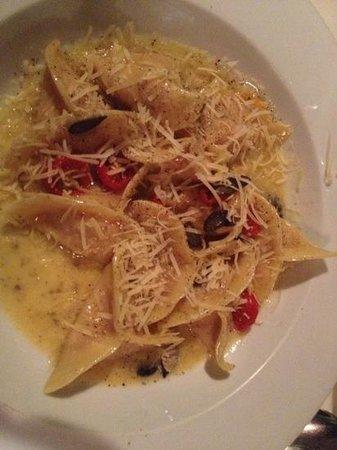 Ristorante Da Carla: Ravioli de zucca na manteiga e azeite trufado